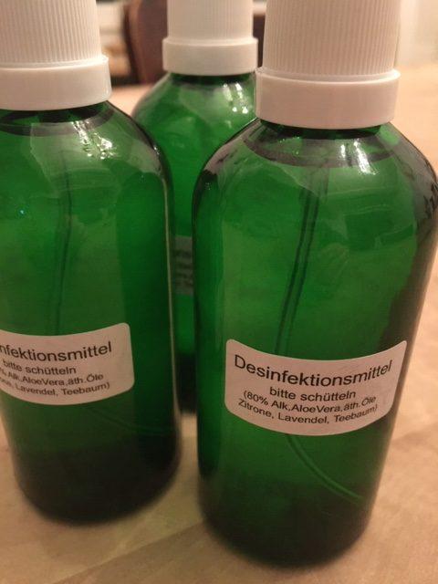 natürliches Desinfektionsmittel  80% Alkohol, AloeVera, ätherischen Öle (Zitrone, Lavendel, Teebaum)  Stück à 100ml CHF 20.00 + Porto max. 2 Stück pro Kunde